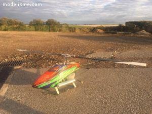 3 Hélicoptères Thermiques T-Rex 600/ 600 N/ 700