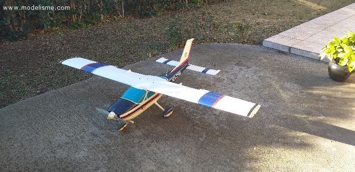 Avion Cessna Cardinal