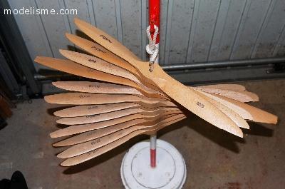 Lot hélices bois Menz (grandes tailles)