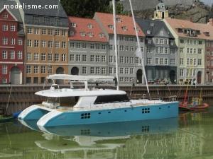 maquette yacht CATA. SUNREEF sail 70