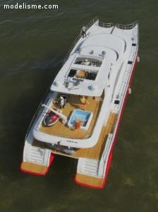 MINI-SUNREEF yacht RC